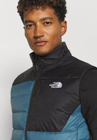 The North Face - ACONCAGUA VEST - Waistcoat - black mallard/blue - 3