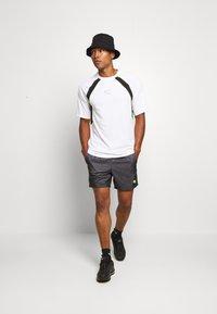 Nike Sportswear - FESTIVAL  - Shorts - dk smoke grey/volt - 1