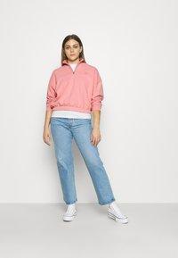 Levi's® - POM QUARTER ZIP - Sweatshirt - blush - 1