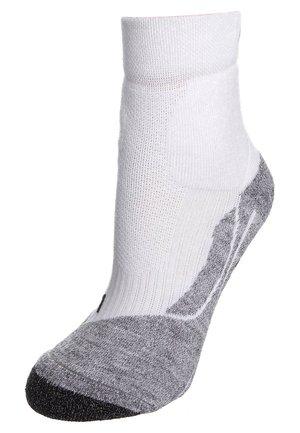 TE SHORT - Sports socks - white