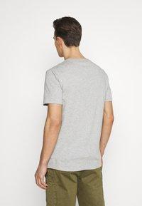 GAP - LOGO DISTRESS - Print T-shirt - heather grey - 2