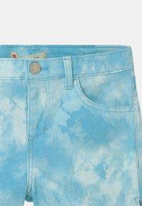 Levi's® - TIE DYE SHORTY  - Szorty jeansowe - blue topaz - 2