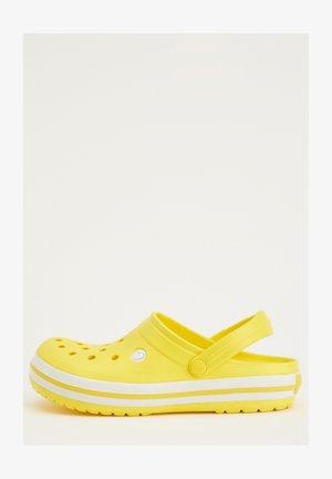 Sabots - yellow