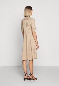 Lauren Ralph Lauren - SILKY DRESS - Vestido camisero - birch tan - 2