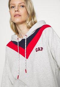 GAP - USA - Hoodie - light heather grey - 5