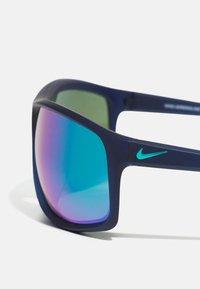 Nike Sportswear - ADRENALINE UNISEX - Sunglasses - blue/green - 3