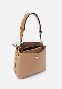PARFOIS - SAC JOAN - Handbag - camel - 2