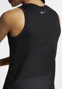 Nike Performance - MILER TANK - Sportshirt - black - 3