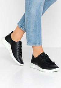 ECCO - FLEXURE RUNNER - Sneakers laag - black - 0