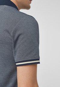 s.Oliver BLACK LABEL - MET GESTREEPTE BOORDJES - Polo shirt - dark blue melange - 5
