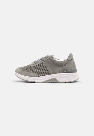 ROLLING SOFT  - Sneakersy niskie - pino
