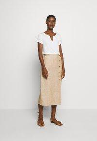 s.Oliver BLACK LABEL - Basic T-shirt - soft white - 1