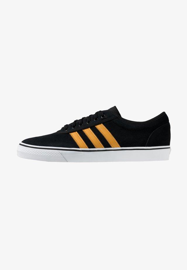 EASE - Matalavartiset tennarit - core black/tactile yellow/footwear white