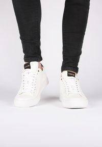 Blackstone - Sneakers laag - white - 2