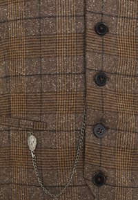 Twisted Tailor - PETTIS WAISTCOAT - Veste - brown - 2