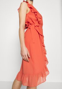 Bruuns Bazaar - ROSALINA KENDRA DRESS - Sukienka koktajlowa - poppy red - 6