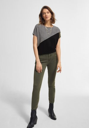 MIT PATCH-MUSTER - Blouse - black/black stripes