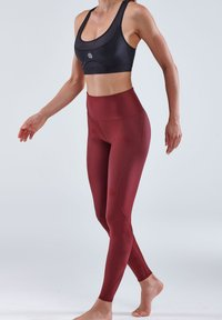 Skins - Base layer - burgundy - 3