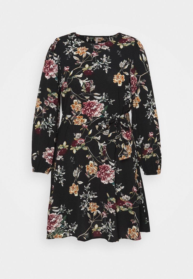 ONLY Carmakoma - CARLUXMILA PUFF KNEE DRESS - Day dress - black