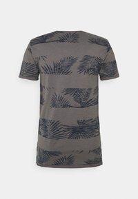INDICODE JEANS - ALLEN - Print T-shirt - pewter - 1