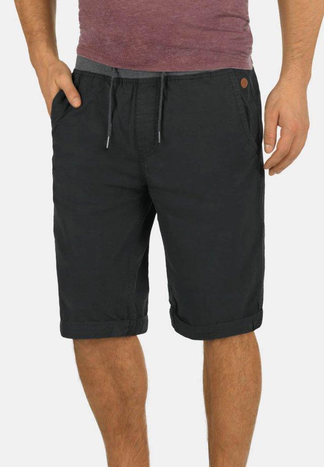 CLAUDE - Shorts - phantom gr