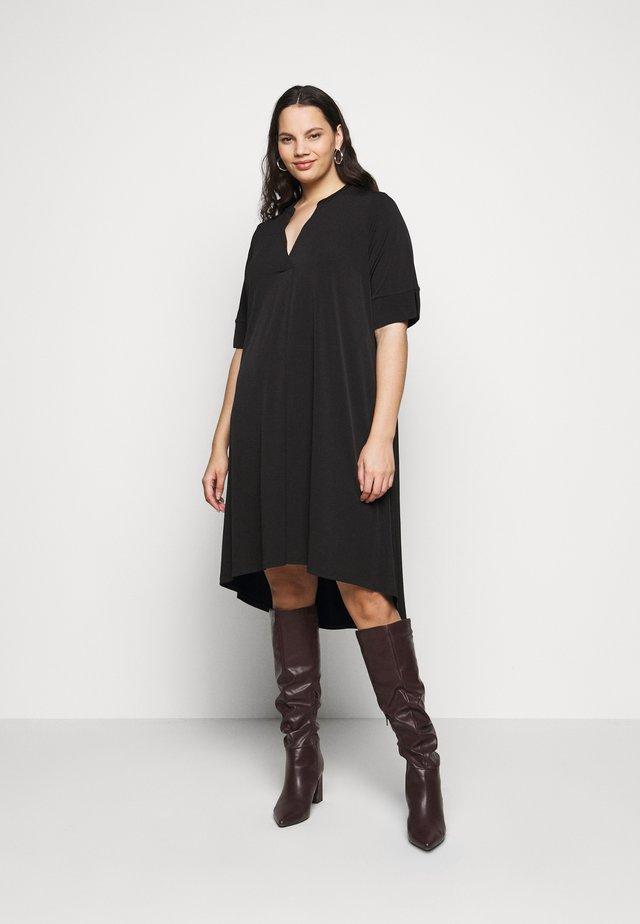 POCKET DRESS - Robe d'été - black