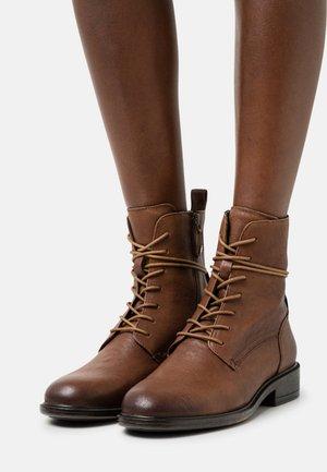 CATRIA - Veterboots - brown
