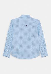 Tommy Hilfiger - MINI FLAG - Shirt - blue - 1