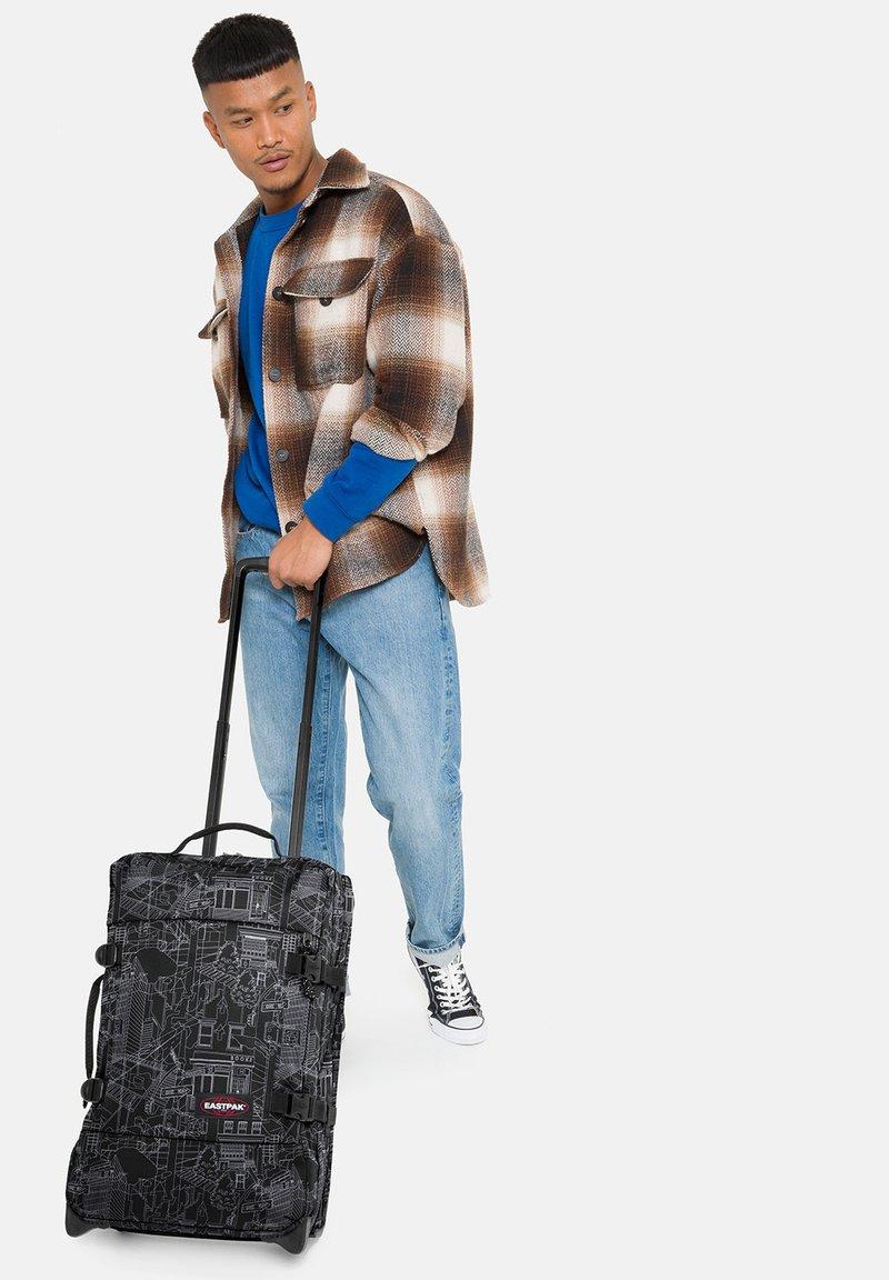 Eastpak - Wheeled suitcase - master black