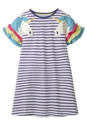 MIT FLATTERÄRMELN - Jersey dress - indigoblau/weiß, einhorn