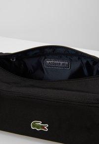 Lacoste - TOILET KIT - Kosmetická taška - black - 4