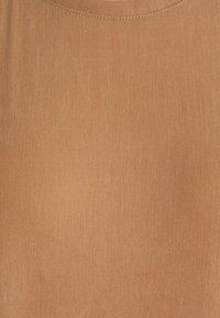 ARKET - Denní šaty - camel - 2