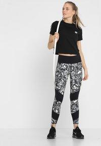 Superdry - CORE CROP BRANDED TEE - Print T-shirt - black - 1