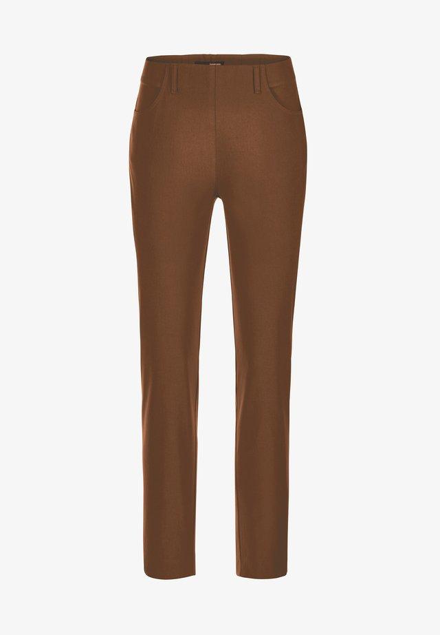 INULA-742 14060 STRETCHHOSE MIT TASCHEN - Trousers - braun