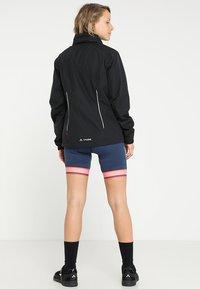 Vaude - WOMENS ESCAPE BIKE LIGHT JACKET - Waterproof jacket - black - 3
