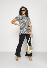 CAPSULE by Simply Be - SHORT SLEEVE SWING TUNICS 2 PACK - Print T-shirt - orchid - 0