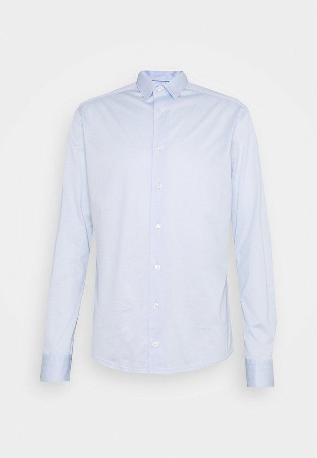 SLIM SHIRT - Overhemd - blue