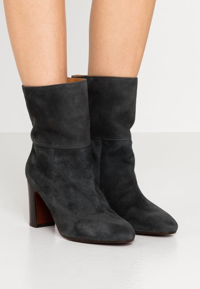ENISTA - Classic ankle boots - dark grey