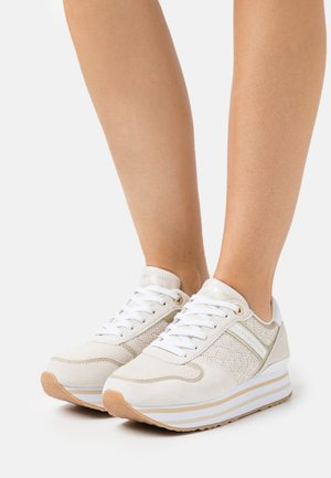 METALLIC FLATFORM - Sneakersy niskie - white