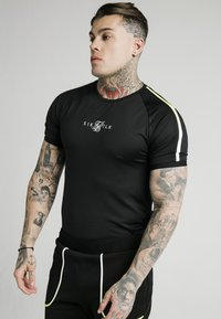 SIKSILK - LEGACY FADE TECH TEE - Camiseta estampada - black/white - 0