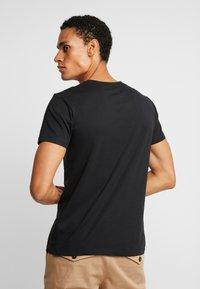 Esprit - NEW ICON - T-shirt z nadrukiem - black - 2