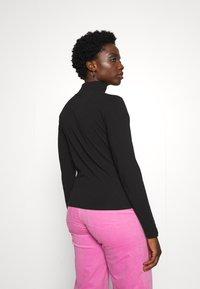 Nike Sportswear - MOCK TOP - Topper langermet - black/white - 3