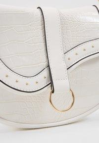 New Look - SHARNI SADDLE BAG - Handbag - white - 6