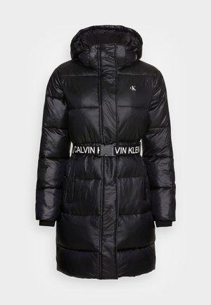 LOGO BELT WAISTED LONG PUFFER - Veste d'hiver - black