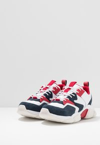 Tommy Hilfiger - CHUNKY MIX  - Sneakers - red - 2
