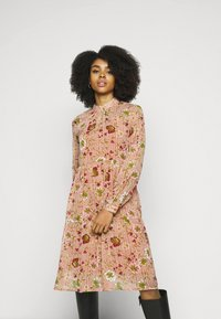 Vero Moda Petite - VMCILLE DRESS  - Day dress - auburn - 0