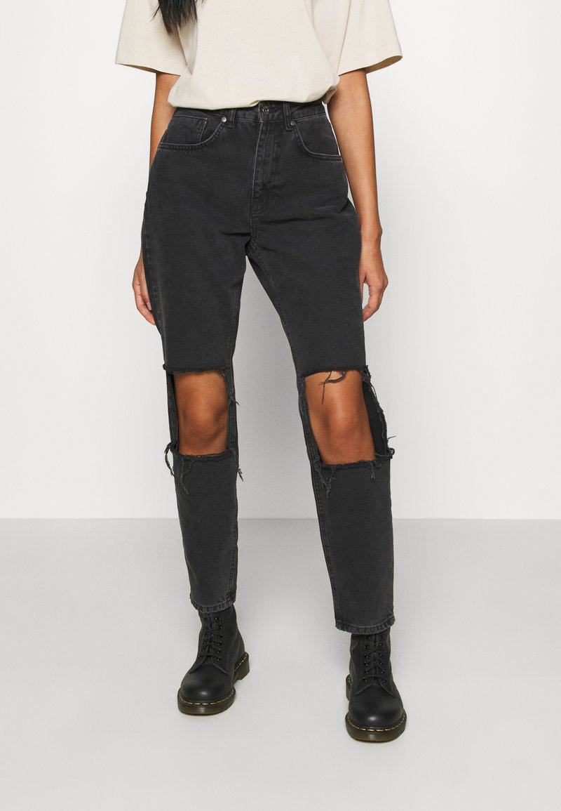 The Ragged Priest - CHARCOAL SQUARE CUT OUT KNEE JEAN - Džíny Relaxed Fit - charcoal