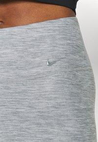 Nike Performance - ONE LUXE - Leggings - light smoke grey - 5