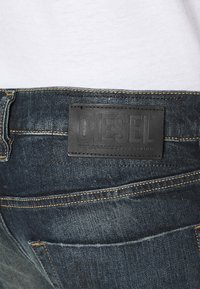 Diesel - TEPPHAR X - Slim fit jeans - 009js 01 - 4