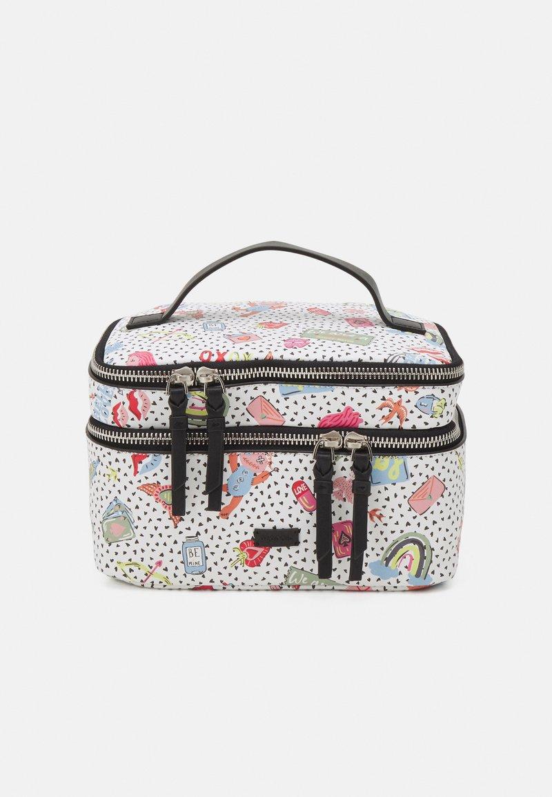 PARFOIS - MULTIPURPOSE PURSE VALENTINE XL - Kosmetická taška - white